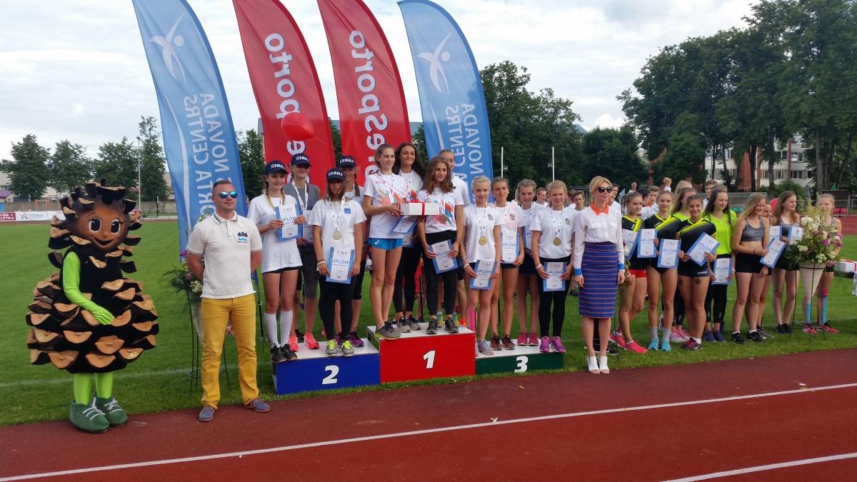 2.vieta stafetē